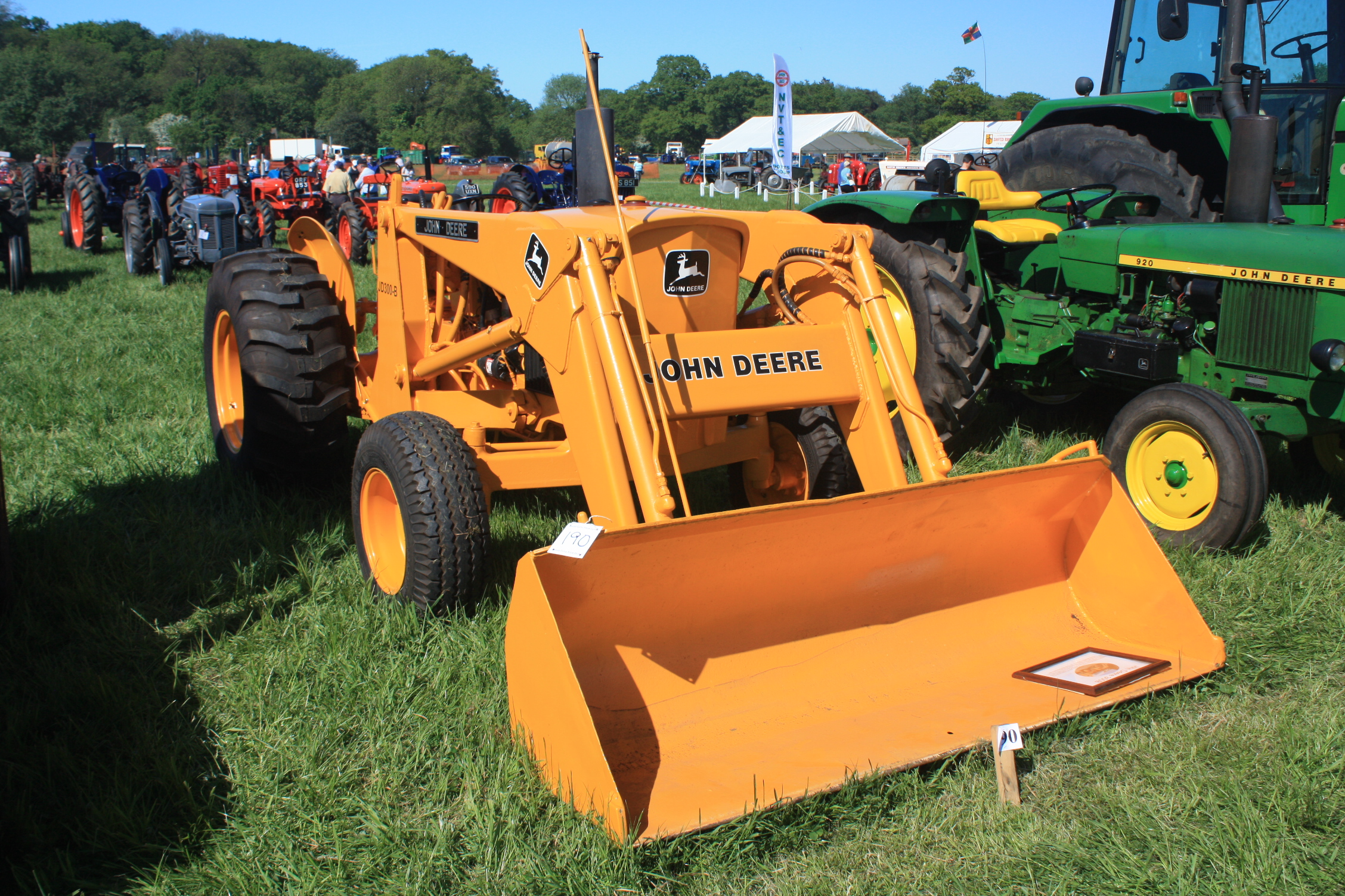John Deere 300 B Tractor & Construction Plant Wiki The classic  #C97A02