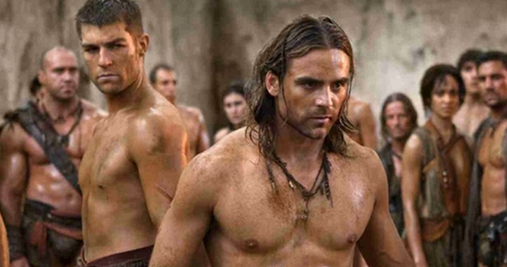 Liam-McIntyre-and-Dustin-Clare-Spartacus