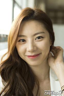 Park Soo Jin25