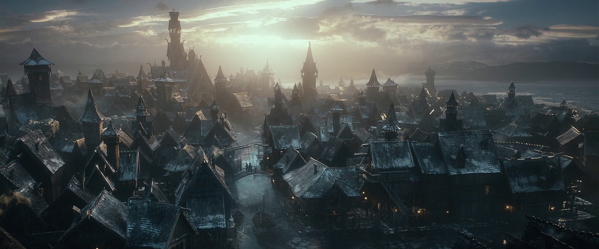 http://static4.wikia.nocookie.net/__cb20130706065621/lotr/images/a/ac/LakeTown.jpg