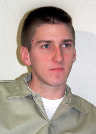 http://static4.wikia.nocookie.net/__cb20130827232261/criminalminds/images/6/69/Timothy_McVeigh.jpg